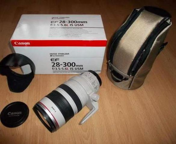 Canon EF 28 - 300 mm F/3.5 - 5.6 l is Usm