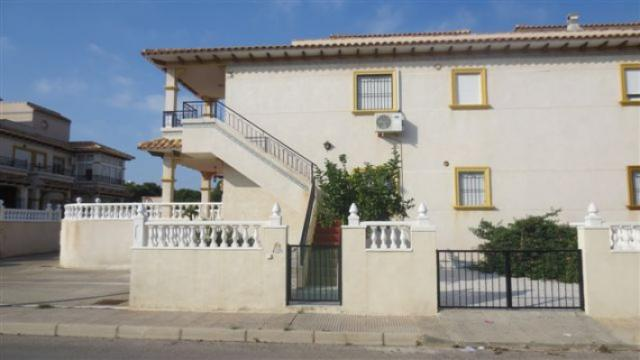 APPARTEMENT 2 CHAMBRES , MEUBLES, GARAGE , .ORIHUELA COSTA