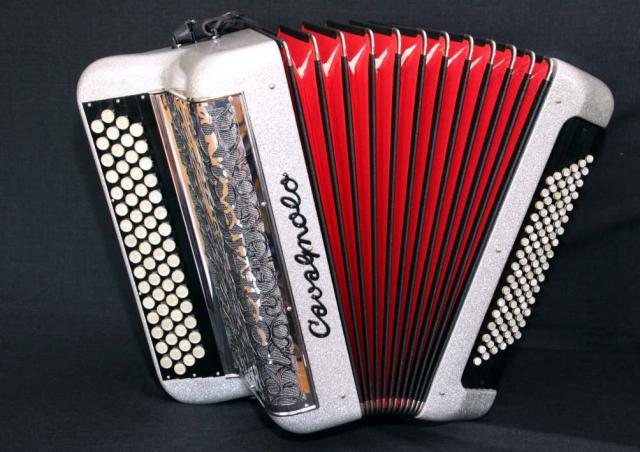 Accordeon cavagnolo 3 voix musette