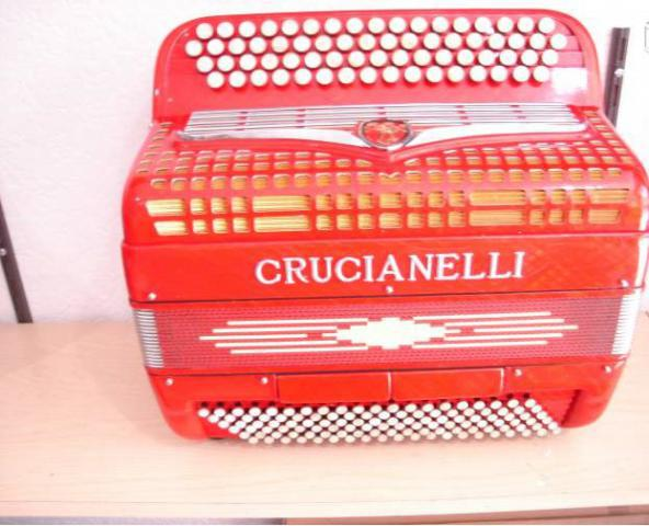 Accordeon crucianelli comme neuf premiere main