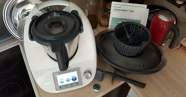 Robot thermomix tm5 en excellent état